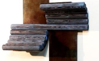 Plancha de hierro y madera con las siguientes medidas (158x48x17cm)